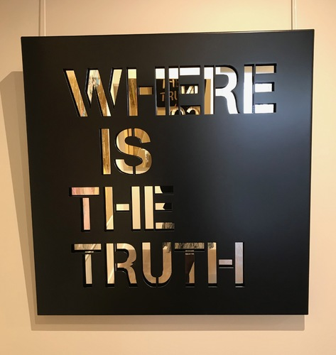 Where is the truth - Noir mat