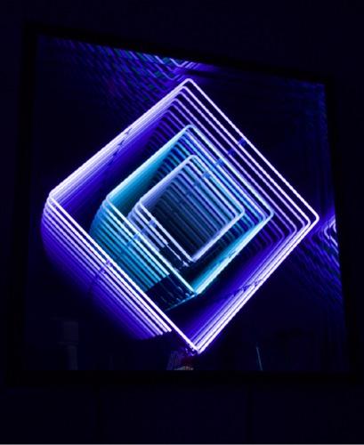 Néon losange : violet / turquoise / blanc