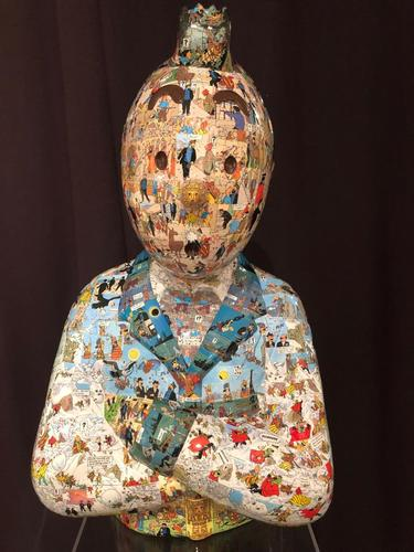 """TINTIN Bras croisés - """"Le Manteau de l'enfance"""" Temple du soleil (60 cm)"""